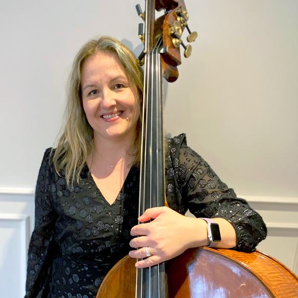 Bass player Melissa Cavelti